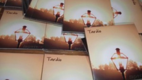 Review: Tardio, Tapete Red